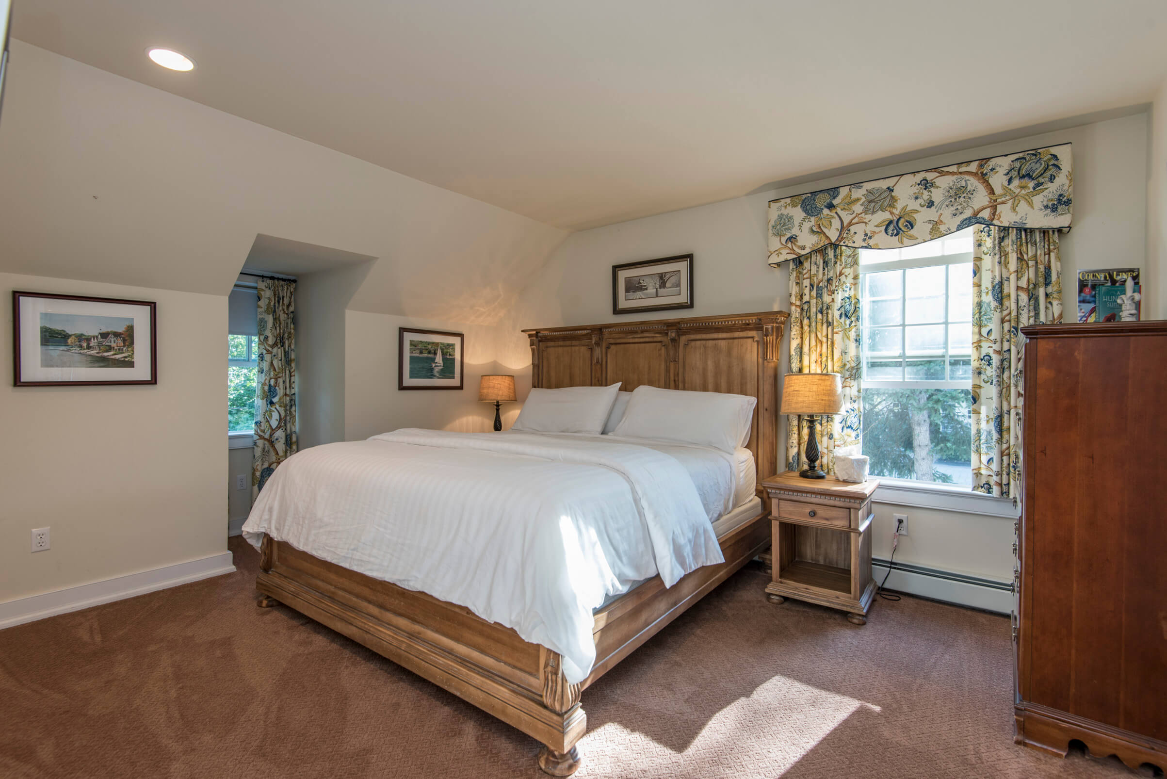 Photo of Sweetwater Cottage room at Grace Winery